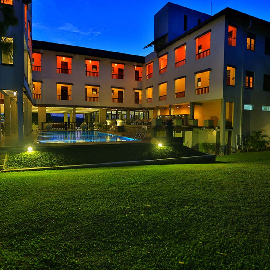 Luxury Hotel in Habarana