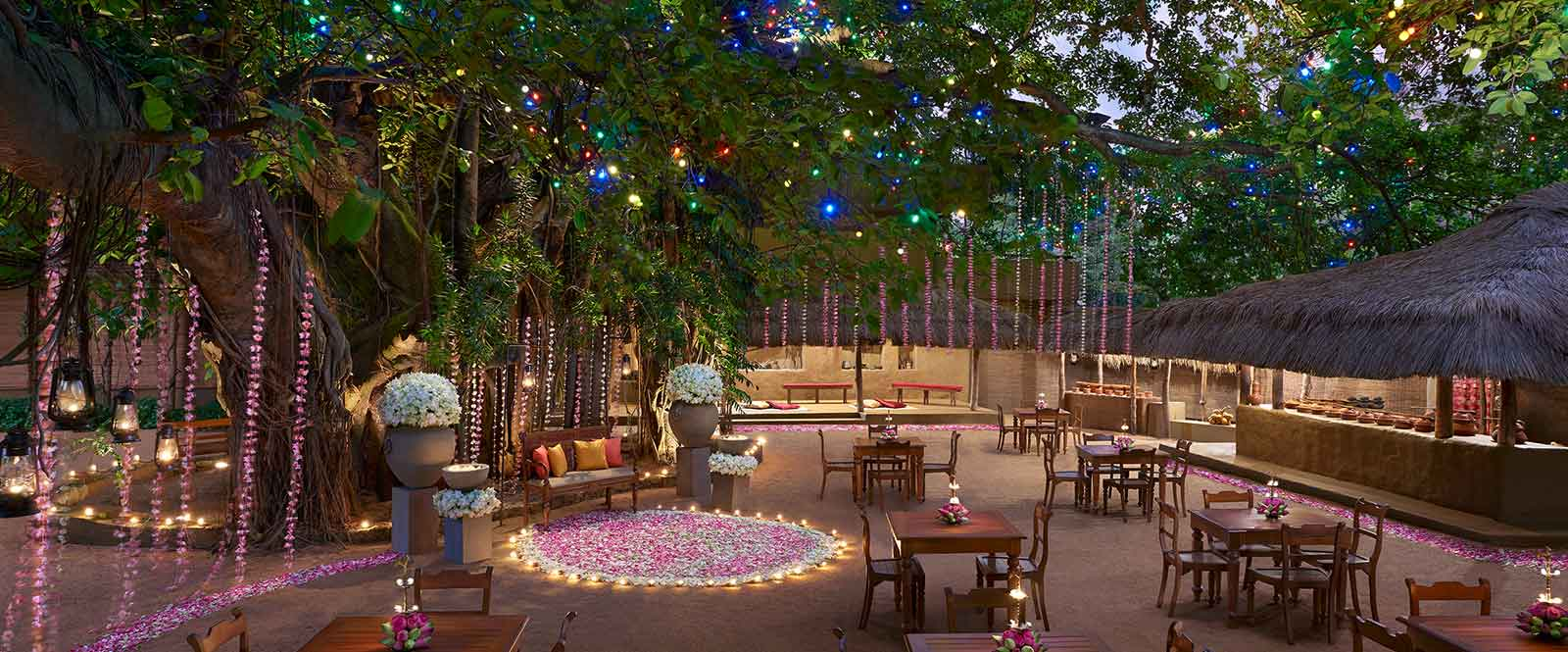Outdoor Dining at a Hotel in Colombo